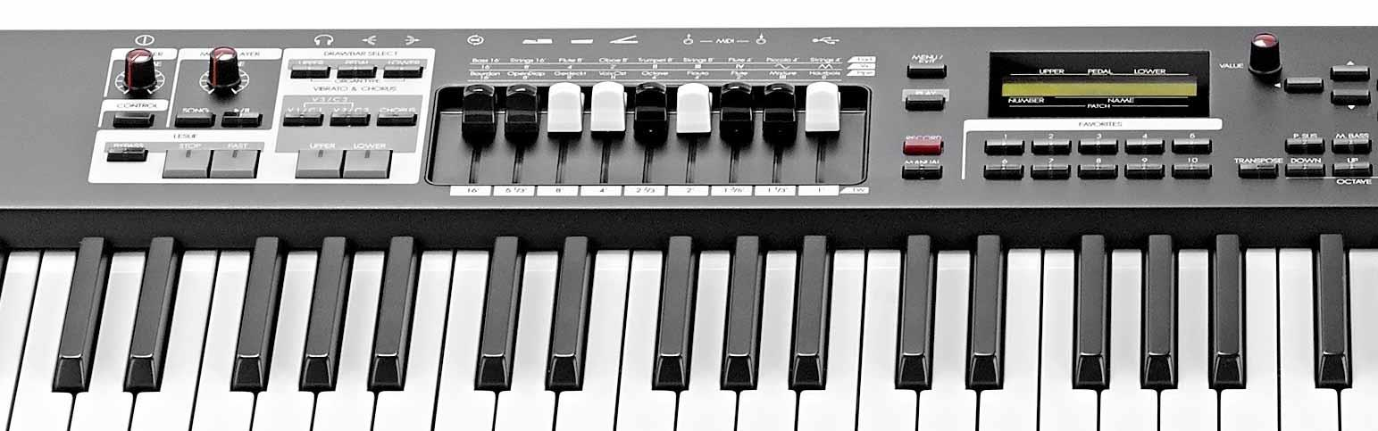 Hammond SK1-88 stage keyboard close up